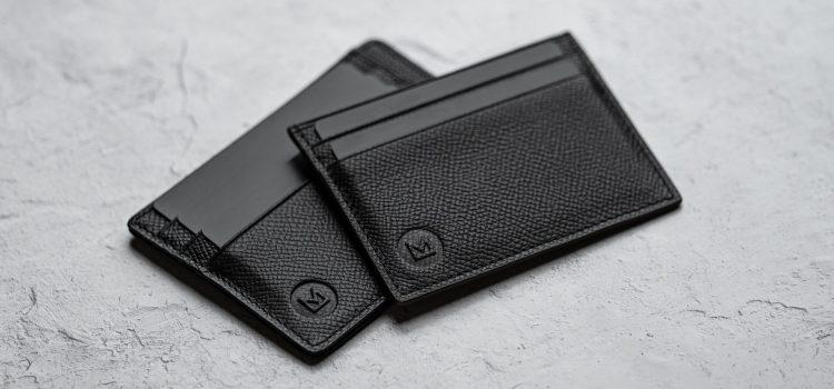 Idée cadeau pour homme: un porte-cartes en cuir